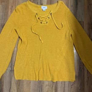Only worn once old navy sweater